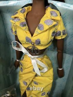 16 Integrity Gene Violet Waters Doll Heatwave LTD 300 Elegant AA 2009 MIB