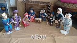 ASHTON-DRAKE NATIVITY SET with musical, moving drummerboy and very RARE manger