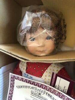 Ashton Drake #92068 A Holly Hobbie Winter, 15 Porcelain Doll NEW