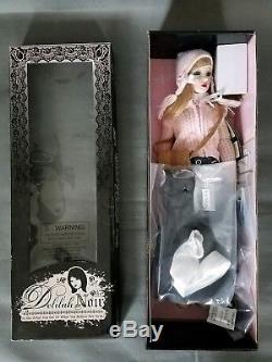 Ashton Drake Ball-jointed doll Once Bitten, Twice Shy Vampire Delilah Noir Colle