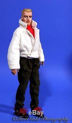 Ashton Drake Gene Marshall's Boyfriend Trent Osbourne Skiing-She-ing, Complete