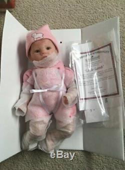 Ashton Drake / Marjorie Trieschmann Tiny Miracle'Musical' Rock-A-Bye Babie