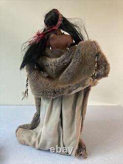 Ashton Drake Native American Female Indian Dolls Vintage Collectables Porcelain