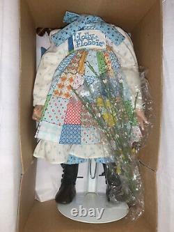 Ashton-Drake Porcelain Holly Hobbie Autumn Doll MIB. Huzzah