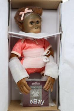 Ashton-drake Annabelles Hugs 302144001 Lifelike Baby Monkey Doll