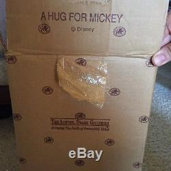 Awesome NIB A Hug for Mickey Ashton Drake Galleries Doll Disney