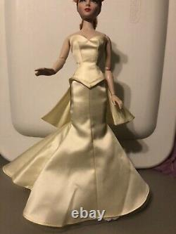 DAE Gene Size Yellow Gown
