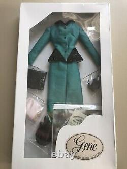 Gene Marshall outfit Suited to be a Colonel 2003 convention exclusive NRFB