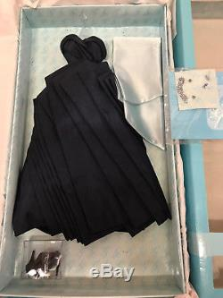 Integrity Gene's Blue Parasol outfit only complete used excellent wt outfit box