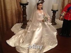 Princess Catherine Kate Middleton and Prince William Wedding dolls Ashton Drake