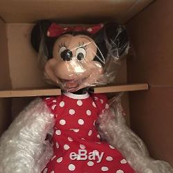 RARE Very Hard to find A MOMENT WITH MINNIE- Ashton Drake Galleries Disney