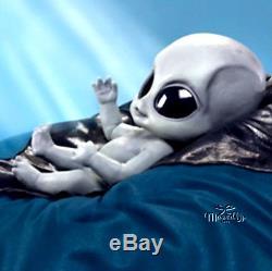 Dolls Ashton Drake Greyson Alien Doll Certificate Only