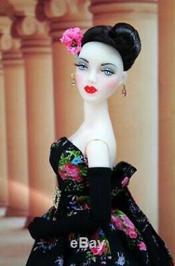 Sandra Stillwell Presents Rosa Summerso Outfit Gene Madra