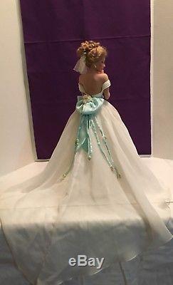 Vintage ASHTON-DRAKE GALLERIES Summer Dream / Display Bride Doll / Porcelain